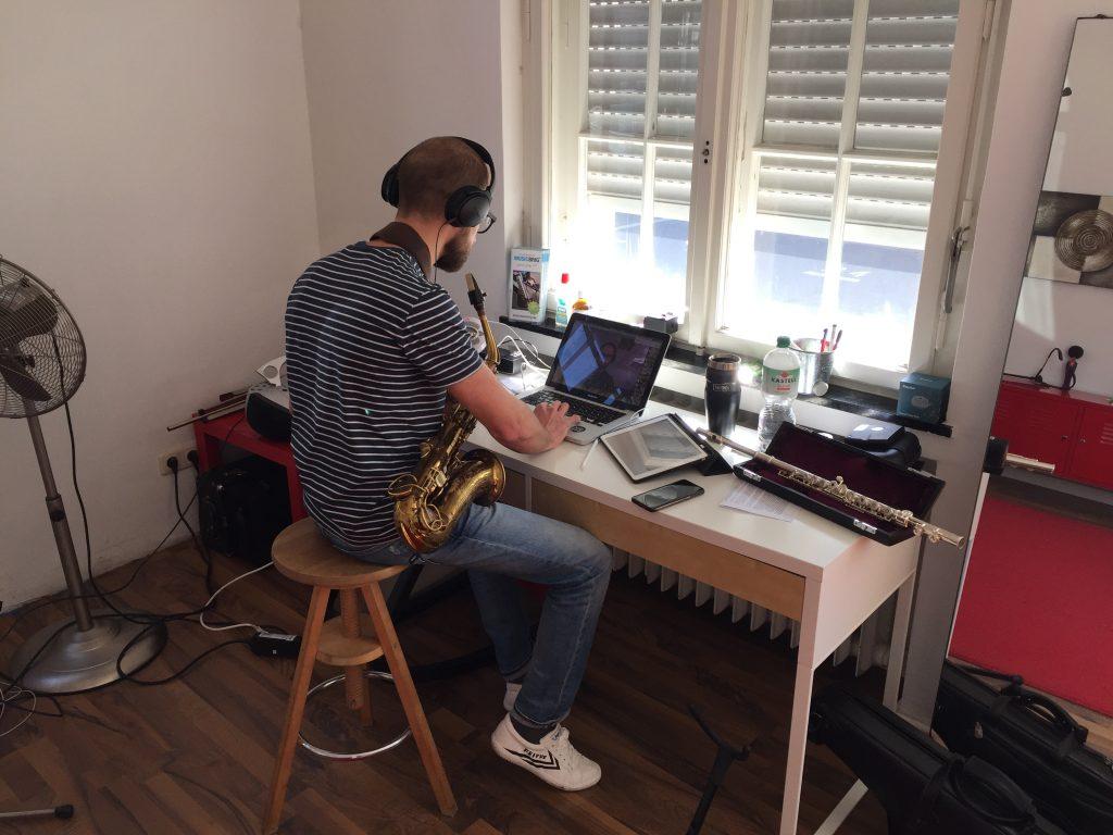 Saxophon Online Unterricht bei Musicbrig