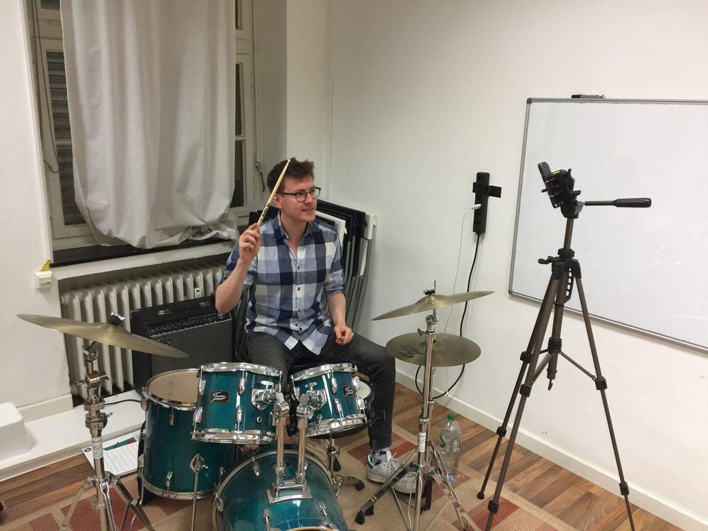 Schlagzeug Online Unterricht bei Musicbrig